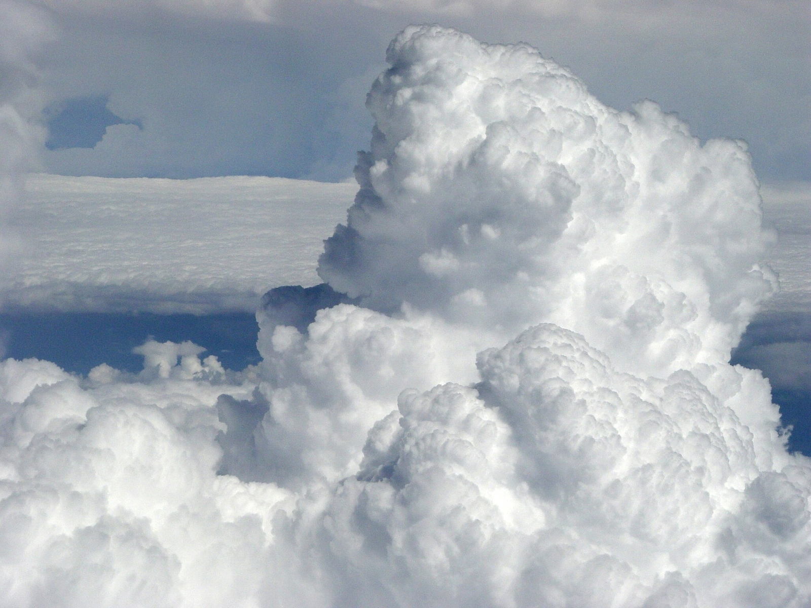 clouds-1195575-1600x1200