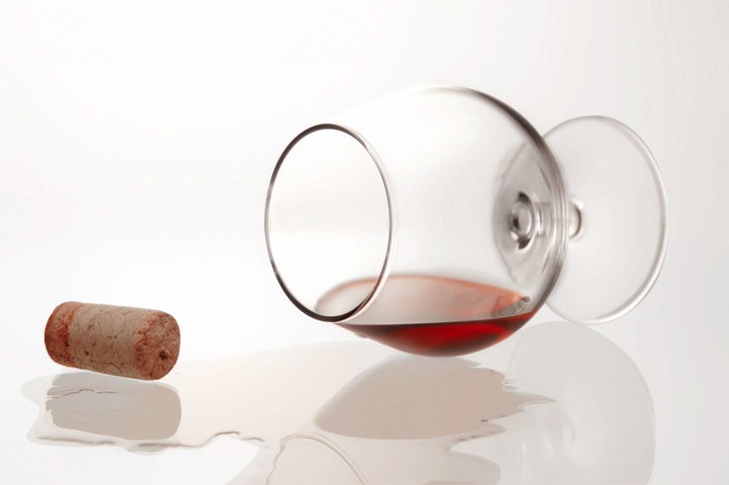 glass-of-wine-with-cork-2-1326585